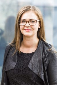 Portrait der Lohnverrechnerin Dagmar Mairhofer © Pilz+Rath